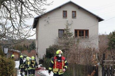 Wegen eines Küchenbrandes war die Feuerwehr am Mittwoch im Einsatz. Die Brandursachenermittler haben die Arbeit aufgenommen.