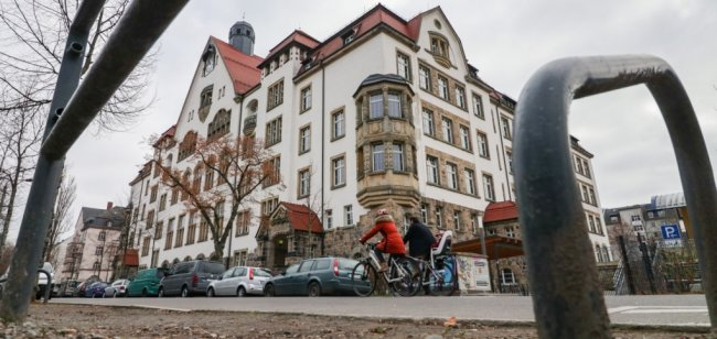 Mit jährlich weit über 100 Anmeldungen neuer Schüler ist das Andrégymnasium auf dem Kaßberg die größte Bildungseinrichtung dieser Art in Chemnitz. Weil dort und an anderen Gymnasien die Kapazitäten allmählich erschöpft sind, ist die Stadt zum Handeln gezwungen.