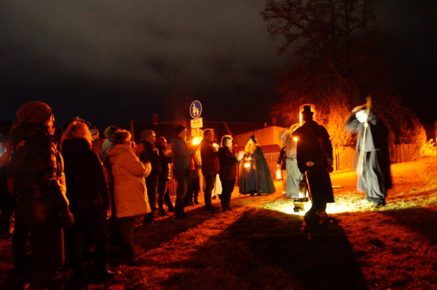 Auf einer früheren Gruseltour begegneten Teilnehmern in Schöneck wundersamen Gestalten.