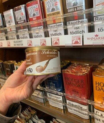 Eine der Pfeifentabak-Eigenmarken bei Schröder.