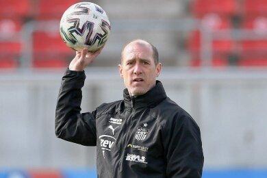 Joe Enochs denkt immer positiv. Kritik äußert Zwickaus Trainer nur intern.