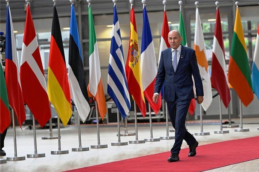 Sloweniens Premierminister Janez Jansa, hier bei einem EU-Gipfel im Mai in Brüssel, übernimmt bis Ende des Jahres die Ratspräsidentschaft. Nicht alle bei der Union sind darüber glücklich.