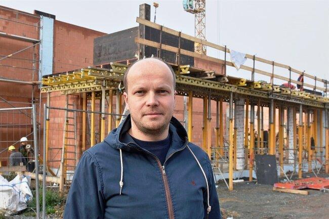 Andreas Meißner wird den an der Poststraße in Markneukirchen entstehenden Edeka als Selbstständiger führen. Für den 36-Jährigen, der vor fast 20 Jahren bei Edeka anfing, ist es der erste eigene Markt.