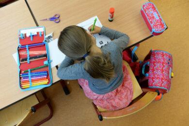 Die sächsische Landesregierung stellt Schulen und Kindertageseinrichtungen wieder Normalität in Aussicht.