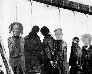Eine Neonazi-Band hängte die Sänger Farin Urlaub, Campino und Moderator Mola Adebisi auf einem Cover an den Galgen.