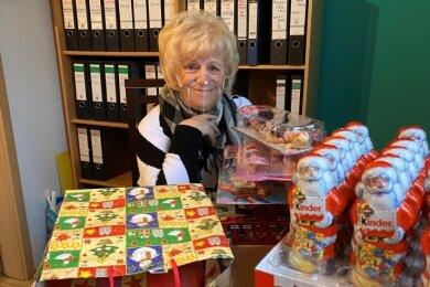 Danke allen Spendern. Vereinsvorsitzende Annemarie Schramm und ihre Leuchtturm-Mannschaft fahren diesmal die Geschenke aus.