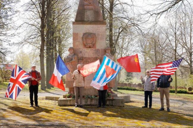 Auf dem Sowjetischen Ehrenfriedhof in Chemnitz gedachte am Samstag die Vereinigung der Verfolgten des Naziregimes dem Jahrestag der Befreiung.