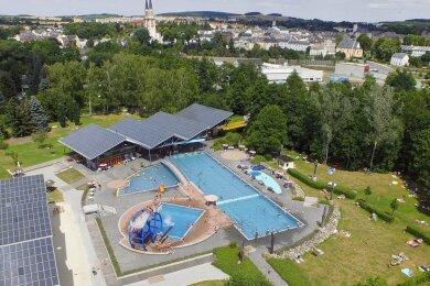 Das Oelsnitzer Freibad Elstergarten aus der Luft. Foto: Maik Ludwig