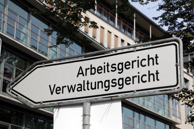 Der Gütetermin fand am Arbeitsgericht Chemnitz statt. Dort findet nun eine richtige Verhandlung statt, weil man sich am Donnerstag nicht einigen konnte.