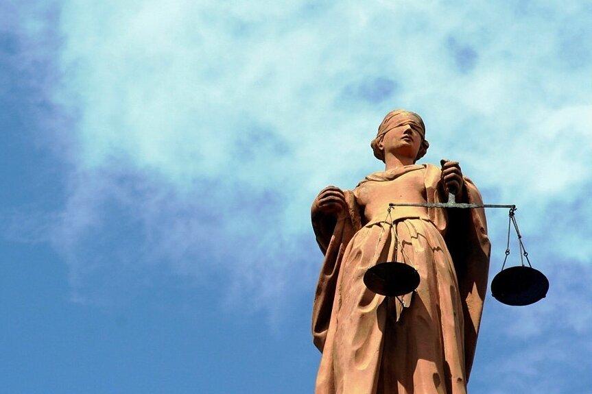 Vogtländer zockt über Ebay mit Leerpaketen ab
