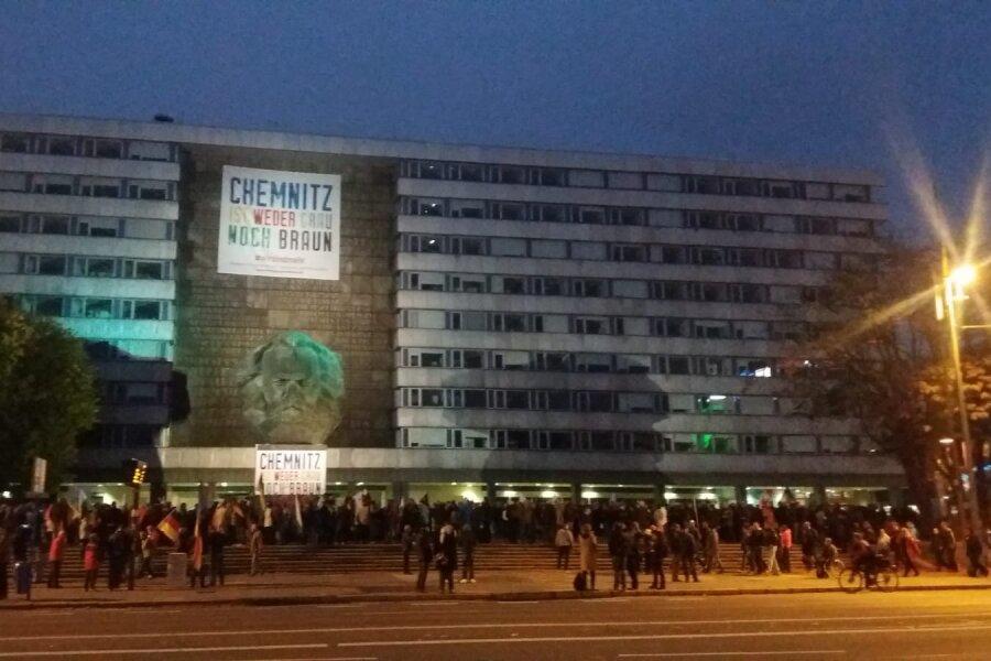 Update: Etwa 1000 Demonstranten und 800 Polizisten bei Kundgebung von Pro Chemnitz