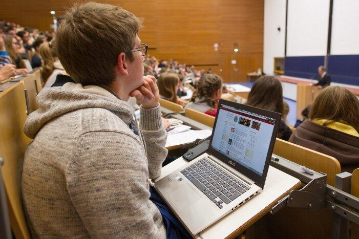 Werbung um Studenten: Lotse ändert den Kurs