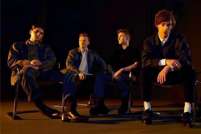 Bassist Luca Göttner, Gitarrist Finn Schwieters, Keyboarder Jonathan Wischniowski, Sänger Frederik Rabe und Schlagzeuger Finn Thomas (von links) sind die Band Giant Rooks.