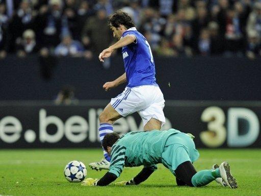Raul umkurvt Inters Keeper zum Führungstor