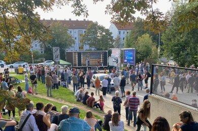 """Demo von """"Chemnitz steht auf"""" am Montag vor dem Sitz der Sächsischen Impfkommission."""