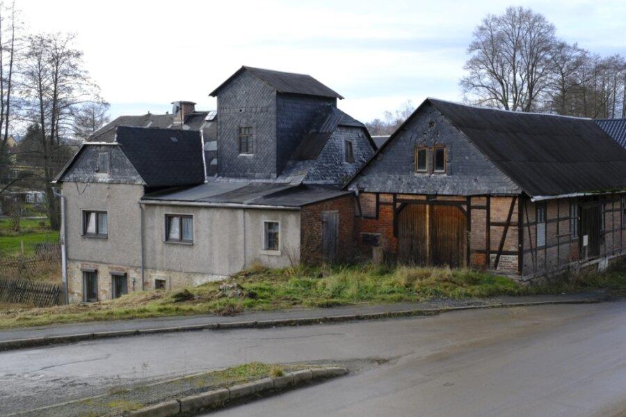 Die Tage der Alten Mühle in Hauptmannsgrün waren bereits gezählt, in Kürze sollte es dort grünen. Nun eröffnet eine Entscheidung des Landratsamtes an dem Standort möglicherweise ganz neue Perspektiven.
