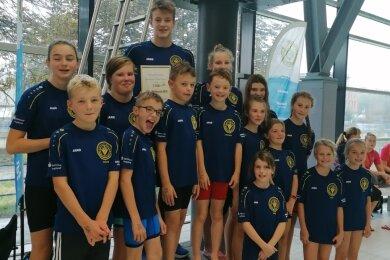 Anlässlich des Herbstschwimmfestes zeichnete der Verein Sporthilfe Vogtland den Talentstützpunkt des SVV Plauen für Platz 1 im Wettbewerb der vogtländischen Stützpunkte aus.