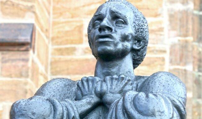 Nicht auf den Mund gefallen: An Thomas Müntzer erinnert die Bronzestatue vor der Katharinenkirche.