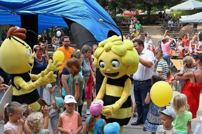 Szenen eines früheren Bergfestes in Hohenstein-Ernstthal: Eröffnung mit Biene Maja und Ihren Freunden. Dieses Jahr könnte es wieder soweit sein.