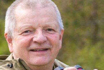 Udo Kolbe ist ehrenamtlicher Ornithologe, der sich seit Jahren in der hiesigen Kammregion für den Erhalt der verbliebenen Birkhuhnvorkommen einsetzt.