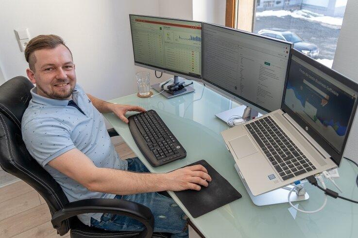 Patrick Studinski (30) ist Experte für das Marketing im Online-Bereich. Vor kurzem kehrte er aus Bayern zurück nach Auerbach, seine Firma sitzt in der Nicolaistraße.