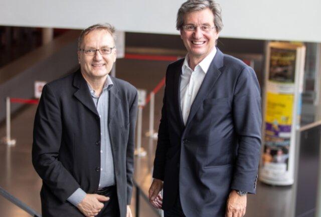 Vorstandschef Rainer Gläß (rechts) und sein Mitarbeiter Norbert Eder. Sie haben am Dienstag die Pläne von GK Software für Plauen vorgestellt.