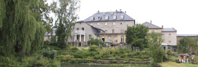 Das Rittergut Kleingera: Aktuell muss das Herrenhaus-Dach dringend saniert werden.