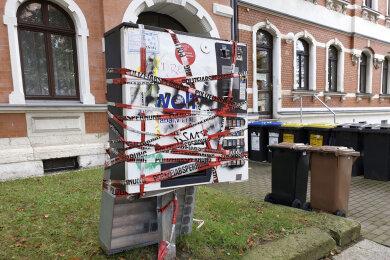 Der Automat an der Blankenauer Straße wurde von der Polizei abgesperrt.
