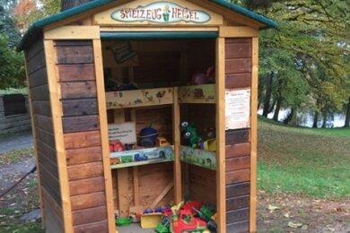 Die Spielhütte An den Teichen in Werdau.