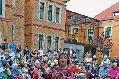 Die Sommermusik am Zwickauer Robert-Schumann-Konservatorium am vergangenen Donnerstag war seit September die erste öffentliche Veranstaltung der städtischen Musikschule Zwickau. Solche Auftritte spielen eine große Rolle bei der Nachwuchsgewinnung.