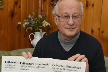"""Es ist geschafft: Helmuth Eßbach hat Band 3 vom """"Erlbacher Heimatbuch"""" vorgelegt."""