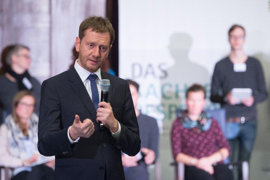 """Ministerpräsident Michael Kretschmer beim """"Sachsengespräch"""" in der Sächsischen Staatskanzlei."""