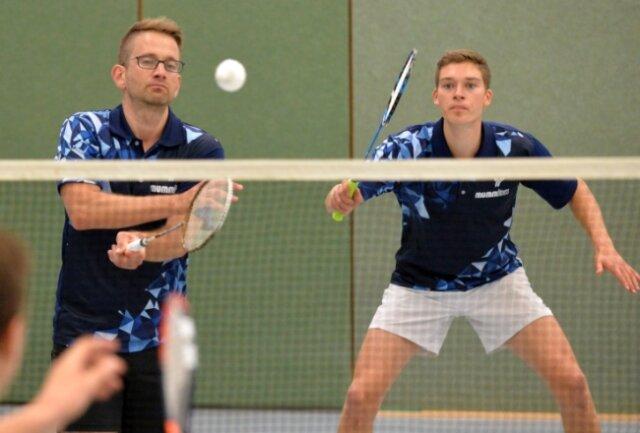 Neues Spitzendoppel: Michael Prinz (l.) und Leon Hohenstein gewannen zum Auftakt ihre beiden Spiele für den ATSV.