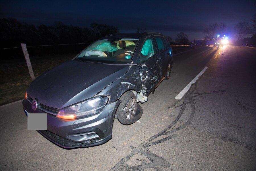 Bei einem Unfall am Dienstag in Bieberstein stießen ein Opel und ein VW zusammen.