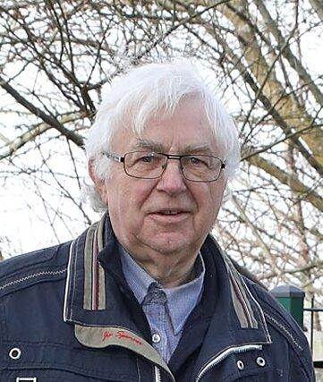 Wolfgang Hallmann (73), Ortschronist.