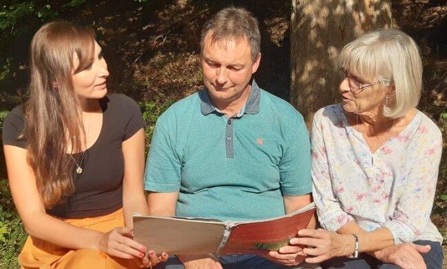 Bergbau ja, aber die Rahmenbedingungen für die Region und die Einwohner müssen stimmen, heißt es in Pöhla generationenübergreifend - hier Rebekka Markert (28), Gerd Korb (54) und Veronika Porkert (71).
