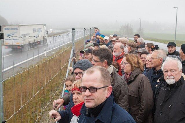 Nach Verkehrszählung: Anwohner fordern Lärmgutachten an B174