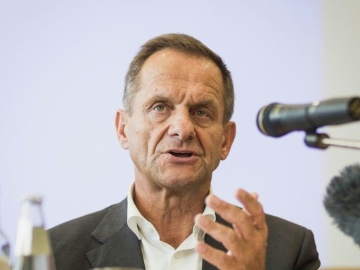 Alfons Hörmann spricht Kristina Vogel Mut zu