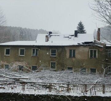 Der Gebäudekomplex in Herold ist völlig marode. Er steht seit Langem leer.