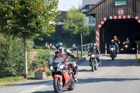 Die Sanierung der Hennersdorfer Holzbrücke steht auf der Agenda des Landkreises.