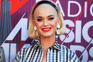Lächelnd in die Zukunft - davon erzählt Katy Perrys neues Album.