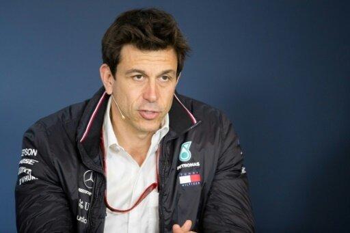 Mercedes und Wolff bauen Führung um