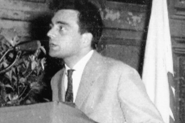 Nach seiner Flucht in den Westen berichtete Hermann Flade 1961 bei einer Vortragsreise über seine Erlebnisse.