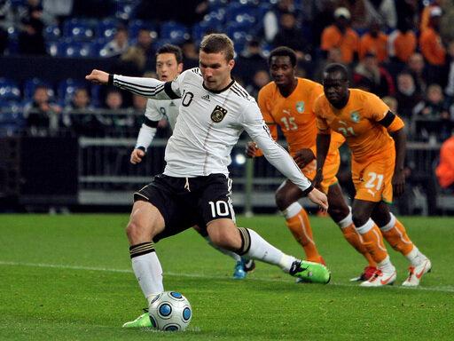 Lukas Podolski erzielt seinen ersten von zwei Treffern