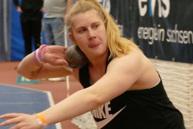 In Halle zeigte Katharina Maisch einen ansprechenden Wettkampf und belegte mit 17,93 Meter den Silberrang. Bis zur Olympia-Norm fehlt der Kugelstoßerin des LV 90 aber noch ein guter halber Meter.