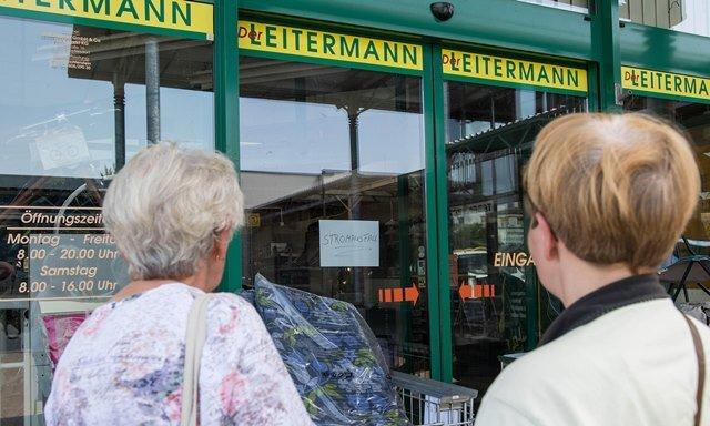 Bei der Filiale von Leitermann in Rochlitz blieb die Automatiktür zu. Von dem Stromausfall waren am Dienstag tausende Rochlitzer betroffen.