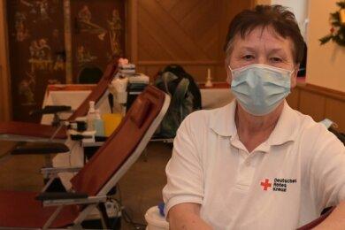 Christine Böhm ist seit 30 Jahren Helferin beim Blutspendedienst.