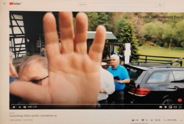Das Gerangel ist per Video dokumentiert worden.