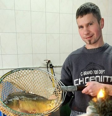Marco Kluska, hier eine ältere Aufnahme, verkauft Fische in Greifendorf.