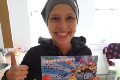 Auf der Suche nach ihrem genetischen Zwilling für eine dringend benötigte Knochenmarkspende begegnen Lena zurzeit etliche Menschen, die sie und ihre Familie immer wieder freudig überraschen.